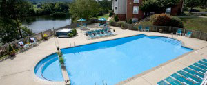 Apartment with pool in Charlottesville Va