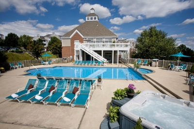Luxury apartments in Charlottesville Va with Pool